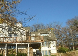 Foreclosed Home en NW ASPEN ST, Lees Summit, MO - 64064