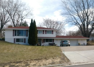 Foreclosed Home en SHIRLEY DR, Burnsville, MN - 55337