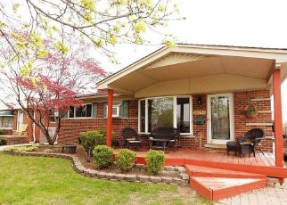 Foreclosed Home in HURON ST, Roseville, MI - 48066