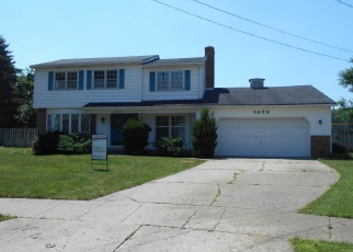Foreclosed Home en ASPEN CT SW, Grandville, MI - 49418