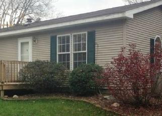 Foreclosed Home en E BAKER RD, Midland, MI - 48642