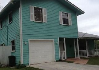 Foreclosed Home en SW WISTERIA TER, Palm City, FL - 34990