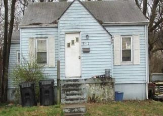 Foreclosed Home in EMERY AVE, Louisville, KY - 40214