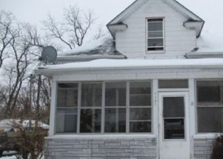 Foreclosed Home in S ROLFF ST, Davenport, IA - 52804
