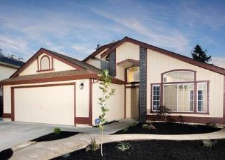 Foreclosed Home en PASTORI WAY, Sacramento, CA - 95828