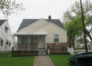 Foreclosed Home en CLEVELAND AVE, Lincoln Park, MI - 48146