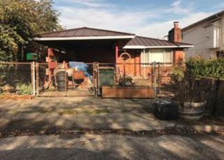 Foreclosed Home en S LANDER ST, Seattle, WA - 98144