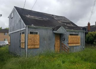 Foreclosed Home en 9TH AVE, Longview, WA - 98632