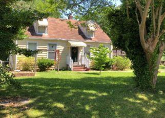 Foreclosed Home en CANTON AVE, Chesapeake, VA - 23325