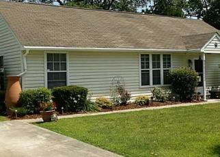 Foreclosed Home en OAKLAND AVE, Hampton, VA - 23663