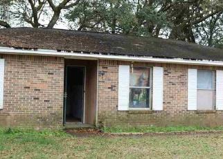 Foreclosed Home en BASS LN, Milton, FL - 32570