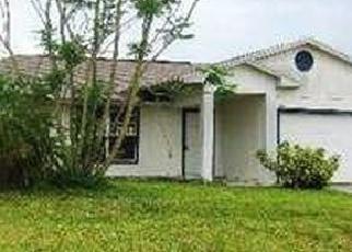 Foreclosed Home en SW UNDALLO RD, Port Saint Lucie, FL - 34953