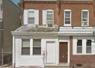 Foreclosed Home en PASCHALL AVE, Philadelphia, PA - 19142