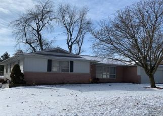 Foreclosed Home en W NEWMAN PKWY, Peoria, IL - 61604