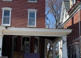 Foreclosed Home en DEKALB ST, Norristown, PA - 19401