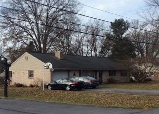 Foreclosed Home en SNYDER HILL RD, Lititz, PA - 17543