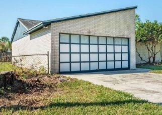 Foreclosed Home en PATRICIA LN, Orange Park, FL - 32073
