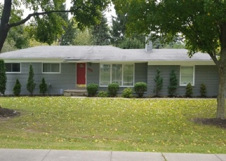 Foreclosed Home en E SQUARE LAKE RD, Bloomfield Hills, MI - 48304
