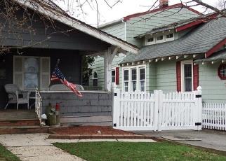 Foreclosed Home en FRANKEL AVE, Freeport, NY - 11520
