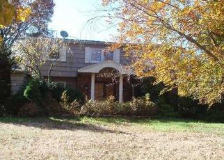 Casa en ejecución hipotecaria in Melville, NY, 11747,  THREEPENCE DR ID: P1298990