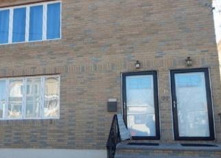 Foreclosed Home en BEACH 43RD ST, Far Rockaway, NY - 11691
