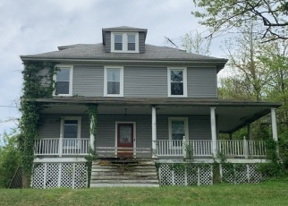 Foreclosed Home en FREDERICK AVE, Catonsville, MD - 21228