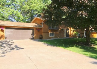 Foreclosed Home en CLOMAN AVE, Inver Grove Heights, MN - 55076