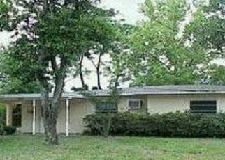 Foreclosed Home en WINDERMERE DR, Jacksonville, FL - 32211