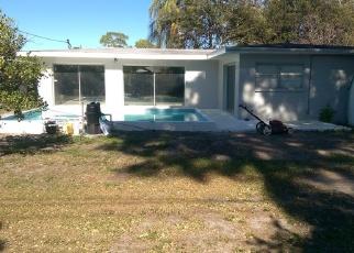Foreclosed Home en 77TH AVE N, Saint Petersburg, FL - 33702