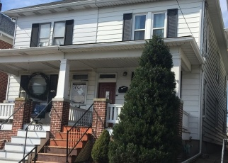 Foreclosed Home en S FRANKLIN ST, Red Lion, PA - 17356