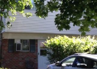 Foreclosed Home en ELISSA LN, Yonkers, NY - 10710