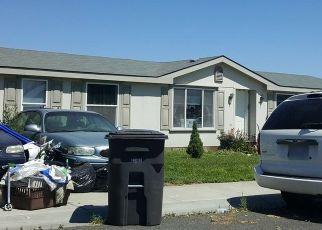 Foreclosed Home en CRESTFIELDS RD, Yakima, WA - 98903