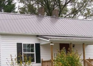 Foreclosed Home en W SPRING ST, Wytheville, VA - 24382