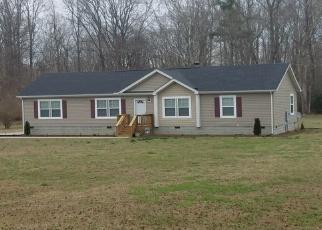 Foreclosed Home en DEEP POINT LN, Gloucester, VA - 23061