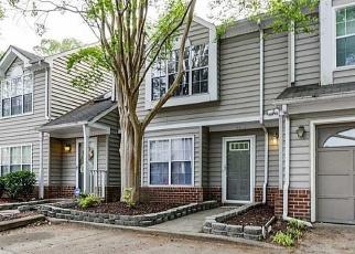 Foreclosed Home en HAWTHORN PL, Hampton, VA - 23666