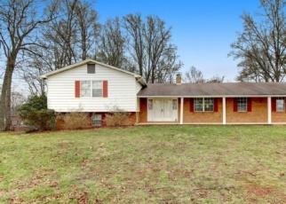 Foreclosed Home en LAKESHORE TERRACE RD, Hardy, VA - 24101