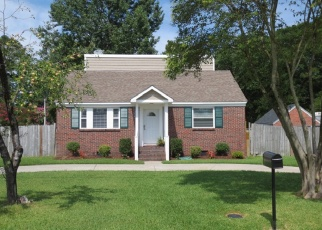Foreclosed Home en CYPRESS RD, Portsmouth, VA - 23701