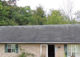 Foreclosed Home en STAFFORDSVILLE HILL RD, Staffordsville, VA - 24167