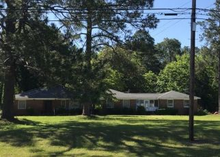Foreclosed Home en W MORING ST, Swainsboro, GA - 30401