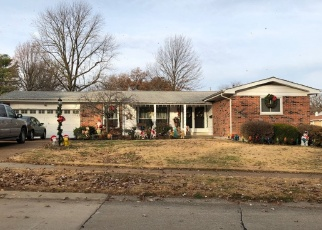 Foreclosed Home en MEADOWGRASS DR, Florissant, MO - 63033