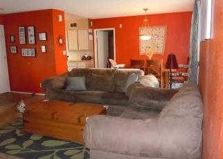 Foreclosed Home en E DON CARLOS AVE, Tempe, AZ - 85281