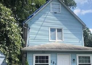 Foreclosed Home en CARTER AVE, Langhorne, PA - 19047