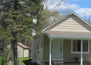 Foreclosed Home en SALFORD STATION RD, Perkiomenville, PA - 18074