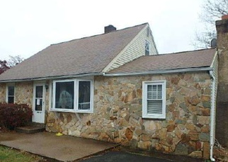 Foreclosed Home en PRESTON AVE, Willow Grove, PA - 19090