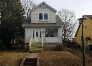 Foreclosed Home en ALBAN AVE, Baltimore, MD - 21214