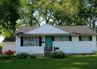 Foreclosed Home en LUCILLE DR, Elyria, OH - 44035