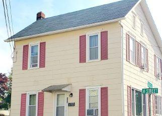 Foreclosed Home en A ST, Pen Argyl, PA - 18072