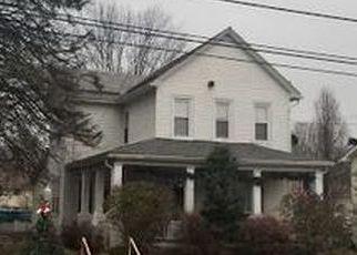 Foreclosed Home en N BROADWAY, Wind Gap, PA - 18091