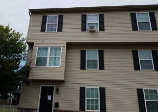 Foreclosed Home en W LINCOLN ST, Easton, PA - 18042
