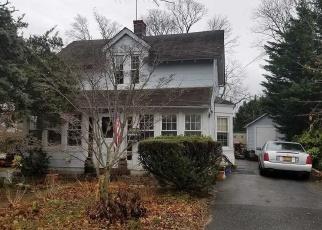 Casa en ejecución hipotecaria in Islip, NY, 11751,  UNION BLVD ID: P1303419